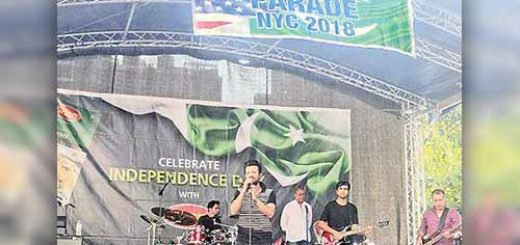 Atif Aslam Embarrasses Pakistan, at Pakistan Day Parade sings Indian songs.